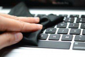 Come pulire la tastiera del portatile?
